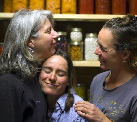 Betsy, Zoë & Abby - The Valley Flora Trio